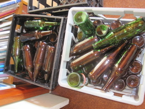 たくさんのビール瓶.jpg